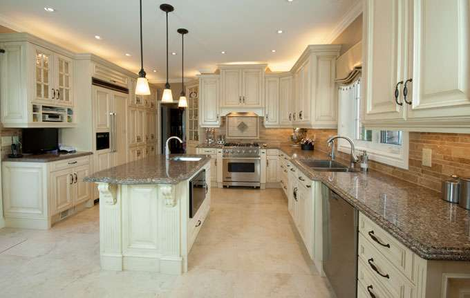 Extravagant kitchen renovations surrey mc paint reno for Extravagant kitchen designs