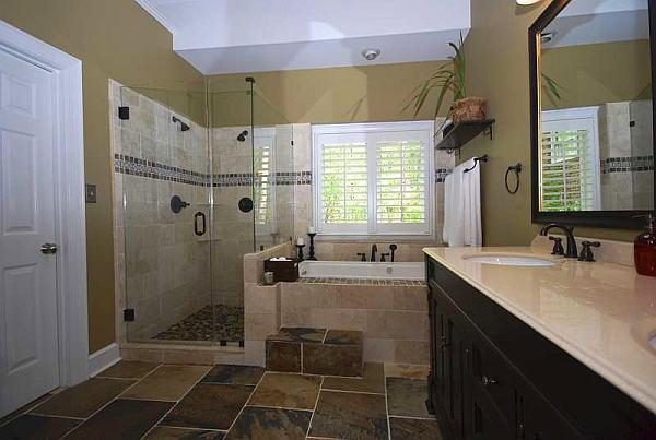 Bathroom with a whirpool bathtub.